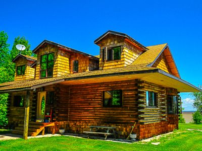 2100 Sq.ft. Lakefront Rustic Log House In Traverse Bay, Mb Near Victoria Bch
