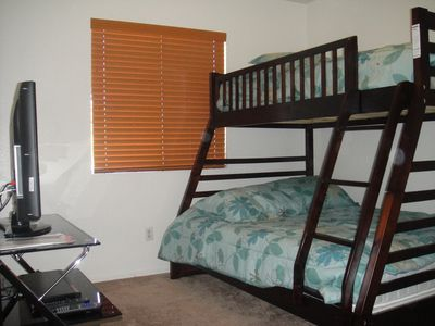 room with twin/full bunk bed