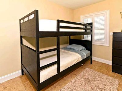 Bunk Beds in cozy 3rd BR