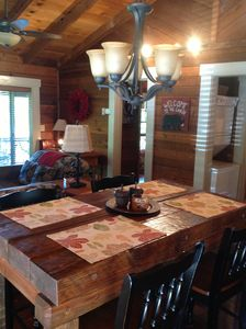 Cherry Log cabin rental - Plenty of room for four people to dine.