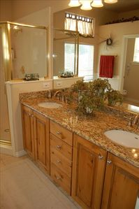 Kimball Junction house rental - Master Bath-Travertine Floors, Granite Counters, 6ft Jetted Tub, Separate Shower