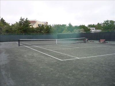 Foundation tennis, walk to it, open to public, 9 hartrue courts