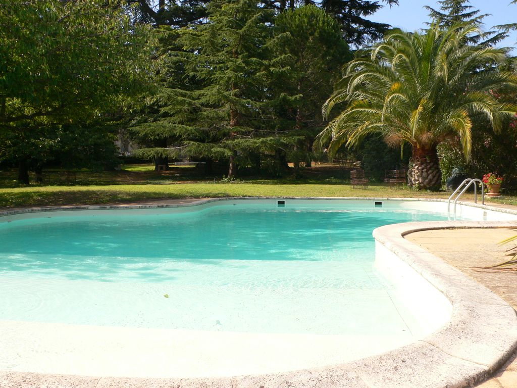 Check for Piscine caissargues