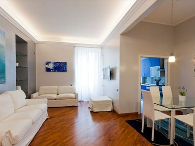 Piazza di Spagna apartment rental - living room