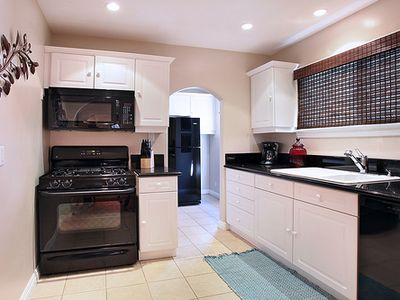 Balboa Peninsula house rental - Kitchen