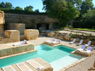 Naujan-et-Postiac farmhouse photo - Pool built on ancient 18th century quary site.