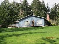 Cozy 2 bed, 2 bath waterfront cottage with breathtaking views!