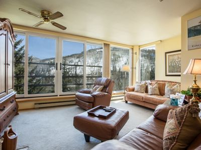 Simba Run 5th FL Condo, Mountain Views, Heated Indoor Pool, Hot Tubs, Comfortable & Family Friendly!