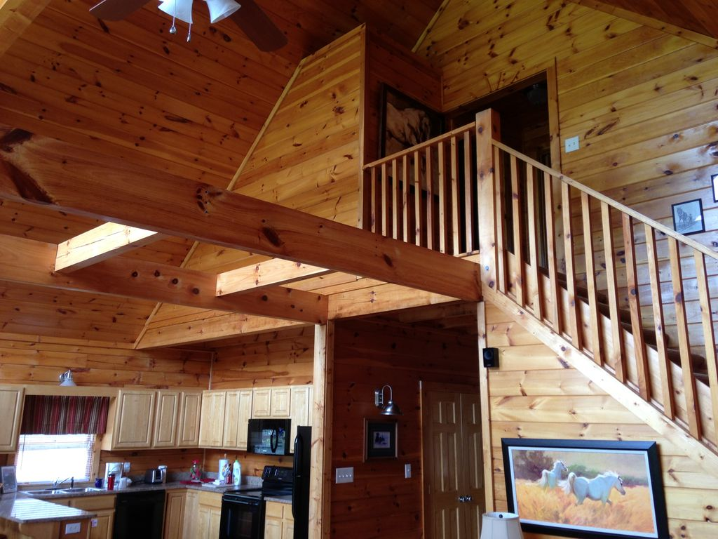 pigeon forge holiday cabin awesome 7 bedroom 7 bath log cabin in