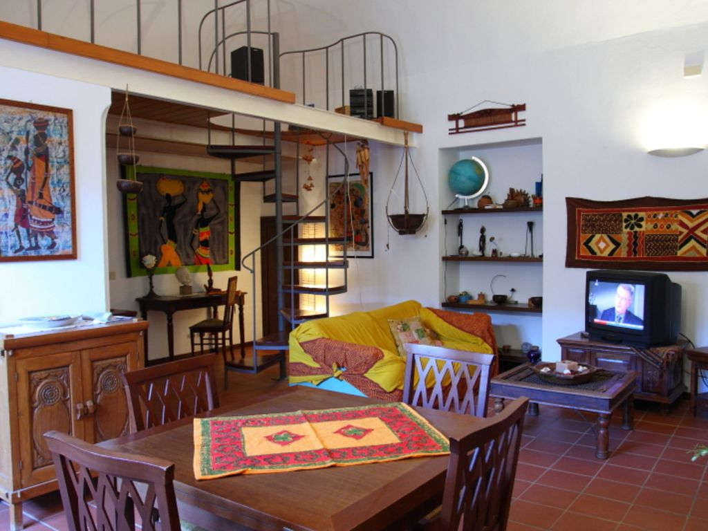Casa del cortile homeaway cefal for Piani casa del cortile