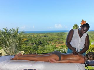 Las Terrenas villa photo - Book a relaxing massage on site.