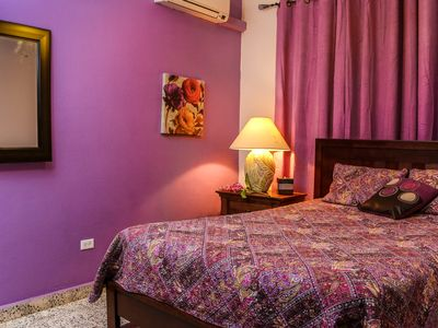 $90/Beautiful Comfortable well equipped-5 people / Parking included