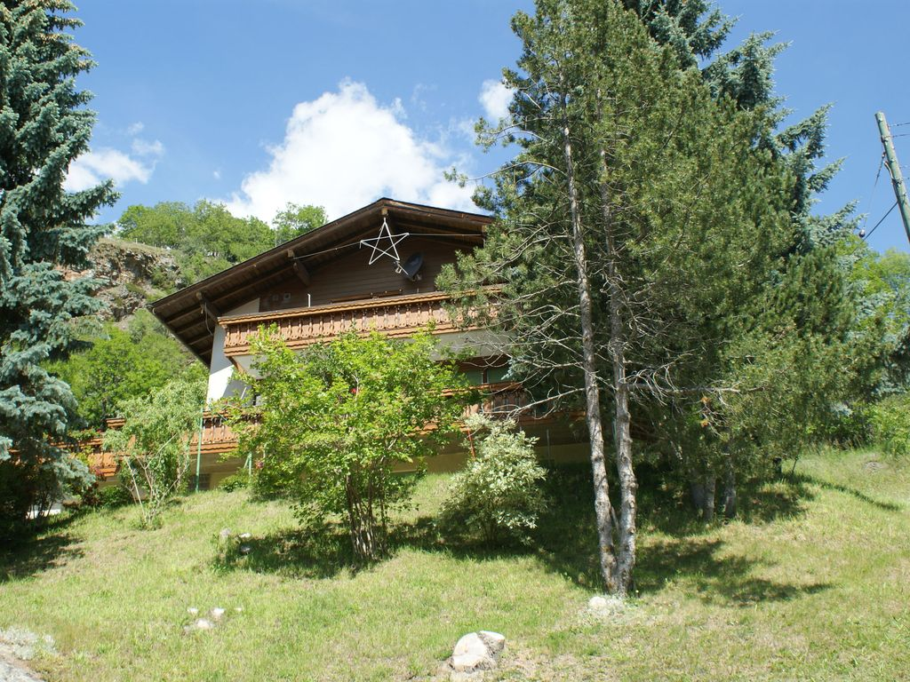 Holiday apartment, 100 square meters , Embd, Switzerland