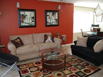 Living area- UNIT 1512