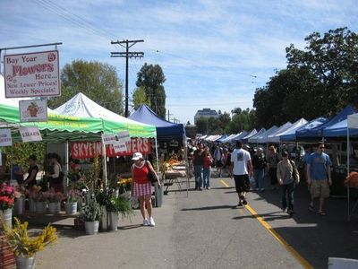 Farmer's Market every Sunday 3 blocks away