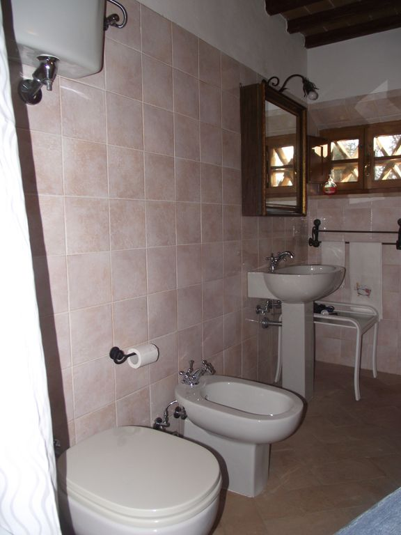 Mezzanine floor bathroom