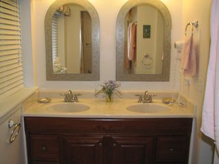 Sea Pines villa photo - Master Bathroom