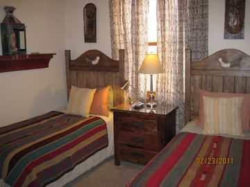 Winter bed toppers on 2nd bdrm Comfy pillow top twin beds, Cable TV.