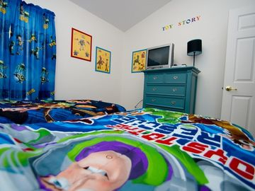 Toy Story Bedroom - cable TV, DVD player, ceiling fan, and large closet