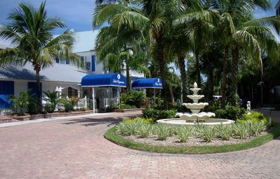 Great Holiday Rates! Enjoy the Holiday in the Sunshine & Palm Trees!