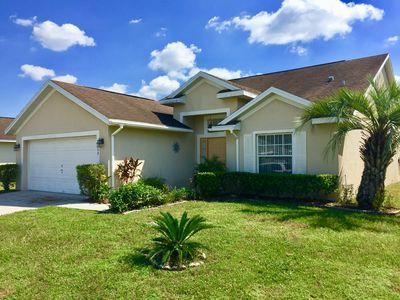 Fantastic 4 Bed, 3 Bath Vacation Villa with Private Pool, 20 mins from Disney