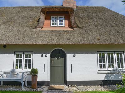 Old cottage under thatch of 1760, completely restored and renovated, new everything!