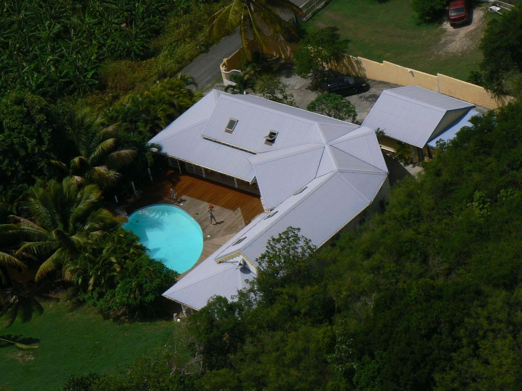 Villa avec piscine jardin tropical propri t de vacances for Piscine jardin tropical