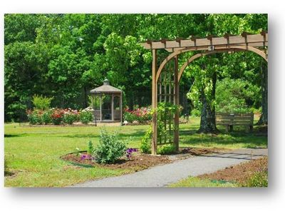 Take a walk around our local master garden's showcase at Ed Leamon Park