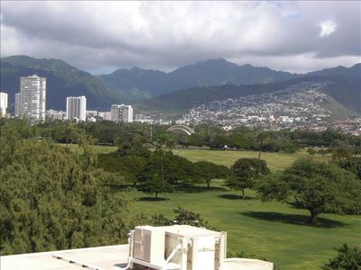 North view of Kapiolani Park and the Ko'olau Mountainsfrom the living room.