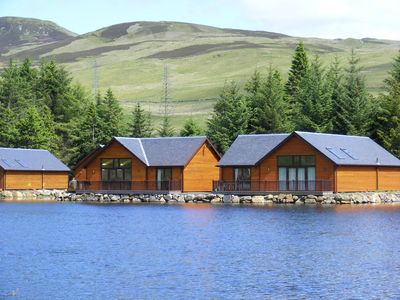 Pitlochry and Highland Perthshire cabin rental - Contemporary lodge overlooking its own loch