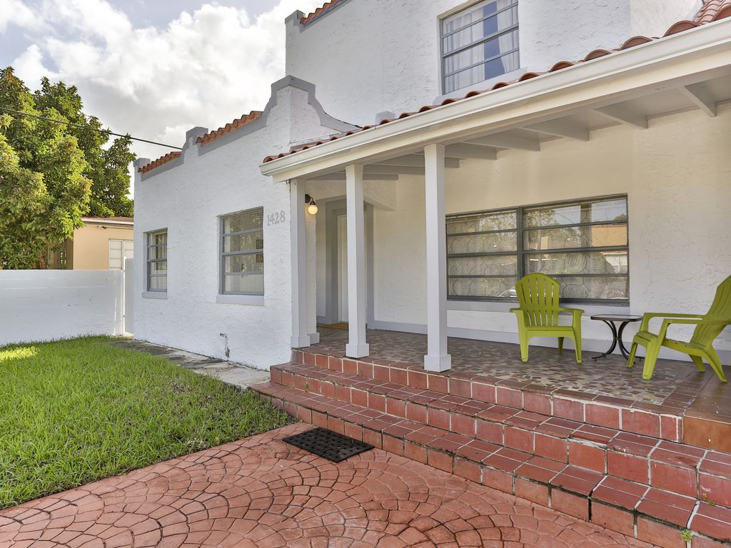 West Brickell House Classical And Spacious With Garden
