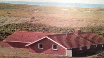 Cottage in the first row to the North Sea with pool and room for 10 people