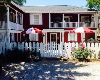 Tuscaloosa cottage rental - A New Orleans style 'Cottage' 3 blocks from the stadium with Grilling Courtyards