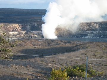 Plume @ Halemaumau Crater @ Hawaii Volcanoes National Park