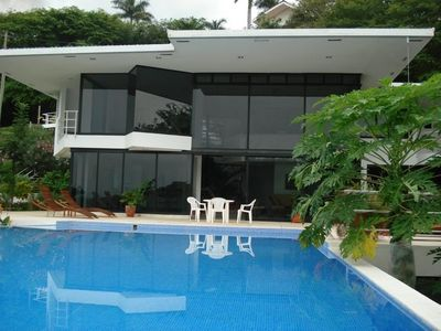 Stunning, contemporary villa and pool; walking distance to beach