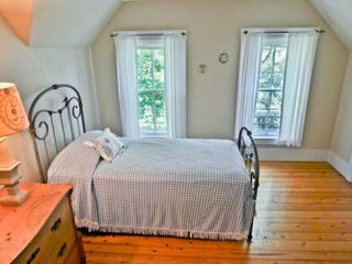 Vineyard Haven house photo - Bedroom #5 - Twin Trundle Bed With Skylight. Second Floor