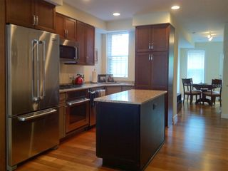 Logan Circle townhome photo - Kitchen - fully stocked with utensils and kitchenware.