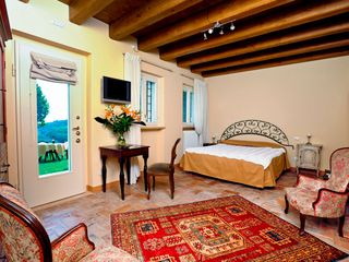 Verona City house photo - junior suite Il Cancello. from 155 € / night breakfast included