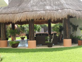 Isla Mujeres condo photo - Outdoor sitting area