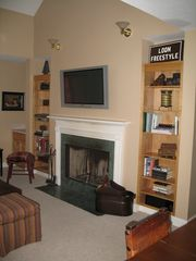 wide screen tv - Lincoln house vacation rental photo