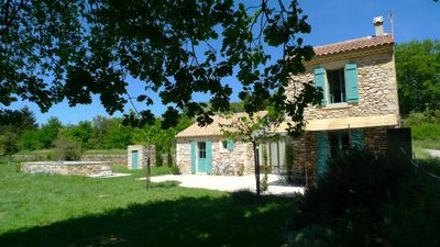 Charming Mazet with swimming pool, facing the Château de Grignan