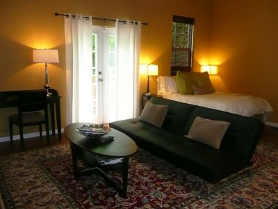 Austin studio rental - The studio is spacious, relaxing and is great for a getaway in a very fun city.