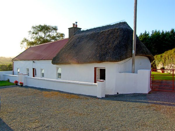 CARTHY'S COTTAGE in Dungarvan, County Waterford, Ref 3715