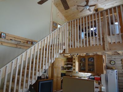 Honor cabin rental - Log stairs to loft