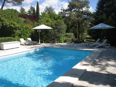 Lourmarin-Nice house near the center on foot, calm and relaxation guaranteed