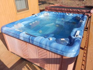 Helen cabin photo - 6' x 8' Hot tub professionally maintained