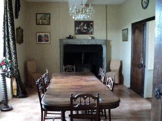 Saint-Georges-sur-Erve chateau / country house photo - dining room