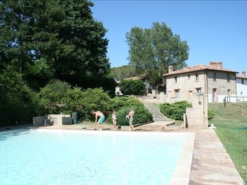 Piegaro farmhouse rental - Pool, with outdoor shower