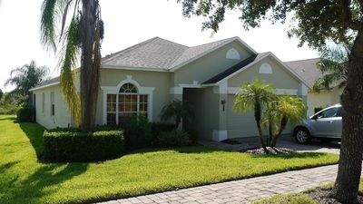 Peaceful Pool Home - just 12 mins to Disney