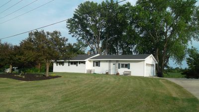 ROCK RIVER RETREAT PROPERTIES:#1 RIVERVIEW RANCHHOUSE HORICON(MARSH),WI.